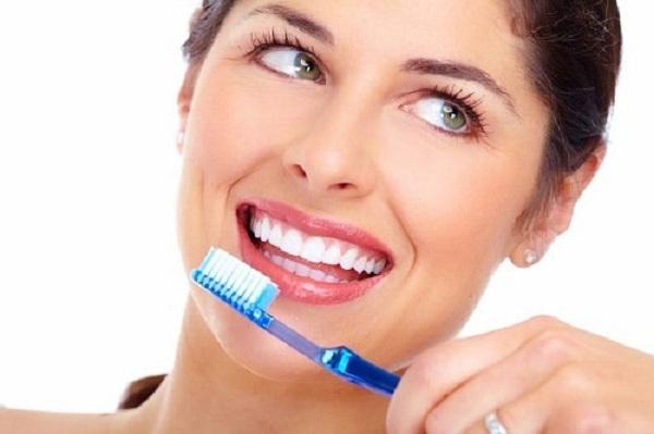 đánh răng bằng muối,đánh răng bằng muối có tốt không,đánh răng bằng muối và kem đánh răng,đánh răng bằng muối hồng,đánh răng với muối và kem đánh răng,đánh răng bằng muối có tác dụng gì,có nên đánh răng bằng muối,cách đánh răng bằng muối,đánh răng bằng muối iot,đánh răng bằng muối có tốt ko,làm trắng răng bằng muối và kem đánh răng,tác dụng đánh răng bằng muối,tác dụng của đánh răng bằng muối
